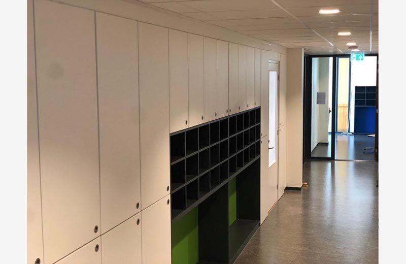 schoolinrichting-de-bron-veenendaal-interieurbouw-kastenbouw-weggewerkt-meubelmaker-de-houtschuur-bram-klumpenaar-13