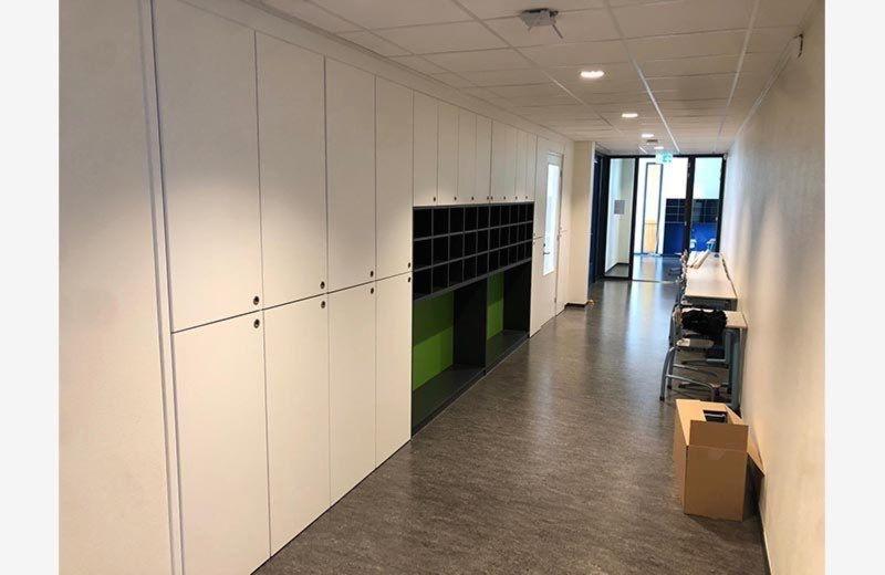 schoolinrichting-de-bron-veenendaal-interieurbouw-kastenbouw-weggewerkt-meubelmaker-de-houtschuur-bram-klumpenaar-10